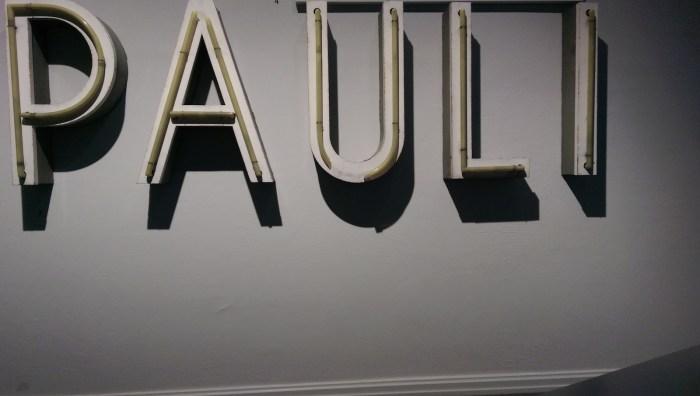 Neonreklame des St. Pauli Theaters von 1965