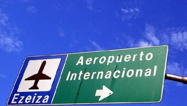 El modelo de complementación aeroportuaria de Buenos Aires. Implicancias en el desarrollo urbano y en la relación aeropuerto-ciudad.