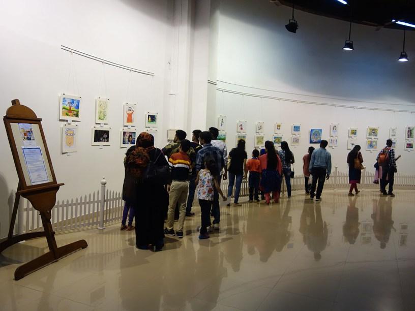 Enthusiastic visitors at Khula Aasmaan art exhibition at Mumbai - October 2017