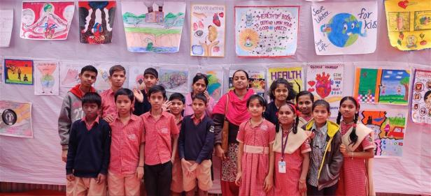 Children and Teachers of V. R. Ruia Mook Badhir Vidyalaya, Pune - at the poster exhibition at Kutuhal