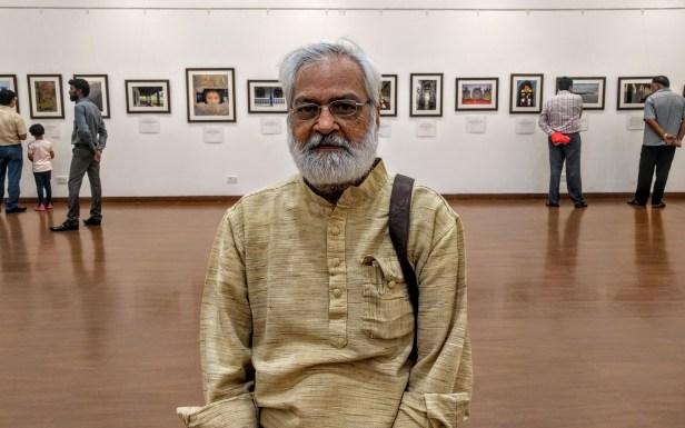Artist Aku Jha at Milind Sathe's solo photography show at Nehru Centre Mumbai