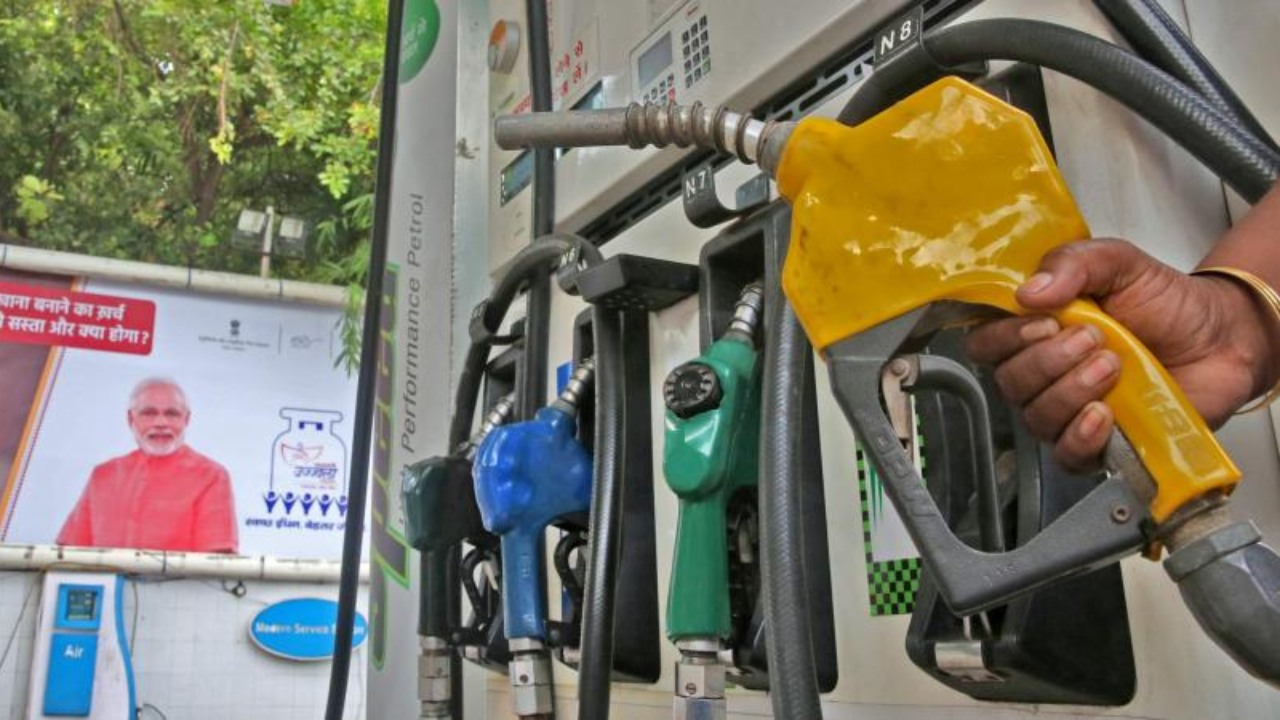 Petrol Crosses Rs 100-Mark in Bengaluru After Another Price Hike