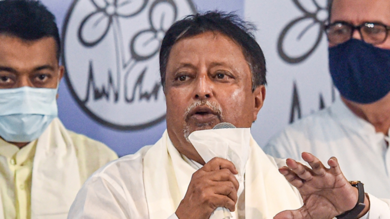 TMC Leader Mukul Roy Appointed PAC Chairman in West Bengal Assembly, BJP Stages Walks Out