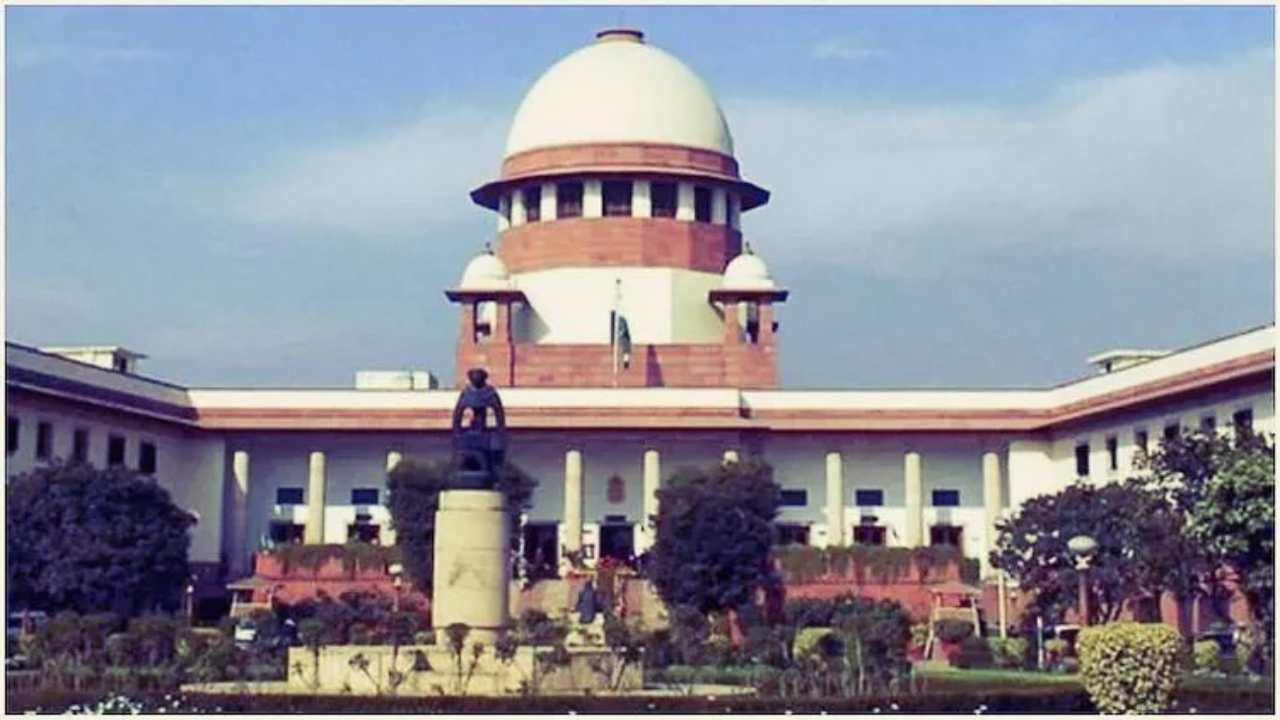 SC Dismisses Kerala Govt's Petition To Withdraw 2015 Assembly Ruckus Case Against CPIM Leaders