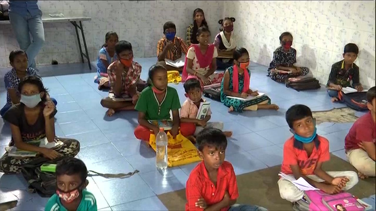Covid-19 Digital Divide: Madurai Youth Teach Students With No Access To Smartphones, Online Classes