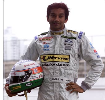 Karthikeyan Win Most Popular Driver Award