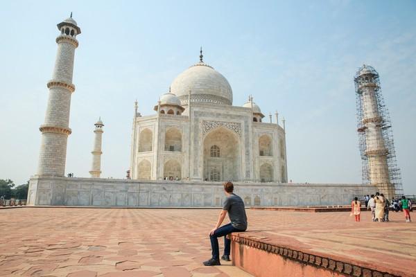 Facebook CEO Mark Zuckerberg Visited the Taj Mahal