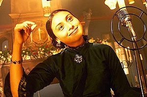 Black Sweeps the Filmfare Awards
