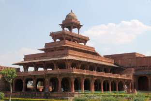 Hawa Mahal, Fatehpur Sikri, India travel packages