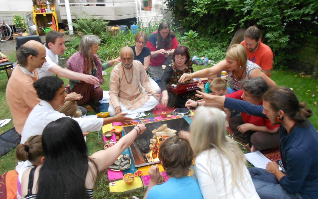 03.10.2015, Saturday: Havan (Indian Fire Ceremony) with chanting of Vedic Mantras in Wemmetsweiler/Saarland