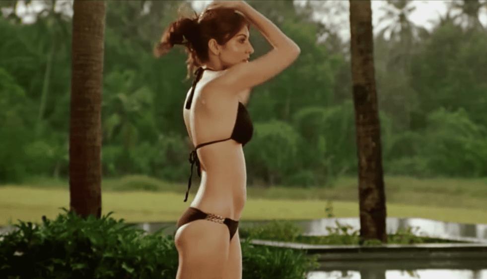 anushka bikini 14