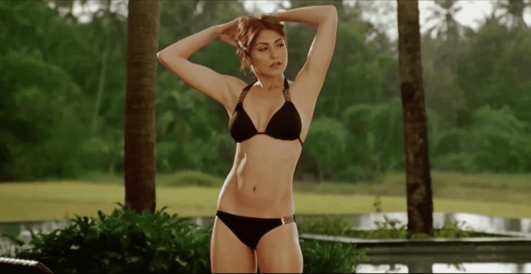 anushka bikini 9