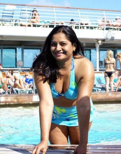 indian girl bikini