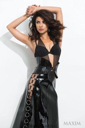 Priyanka-Chopra-new-bikini-pictures