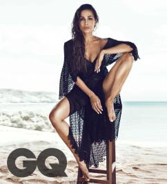 Malaika-Arora-hot-GQ-India-04-866x956