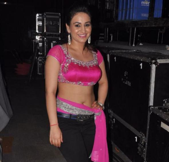 Aksha_025_Aadu Magaadra Bujji_Platinum_Western Dance