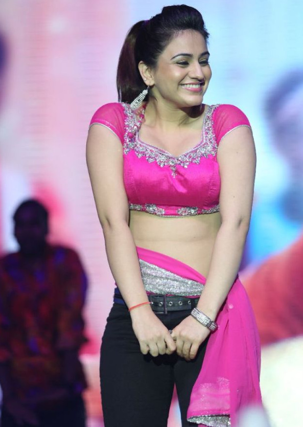 Aksha_030_Aadu Magaadra Bujji_Platinum_Western Dance