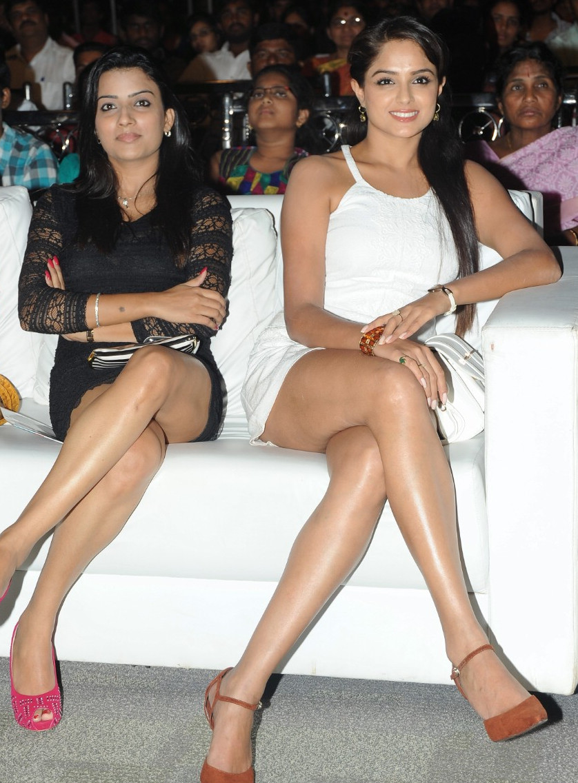 Celebrity oops moment. Asmita sood panty flash at tollywood event.