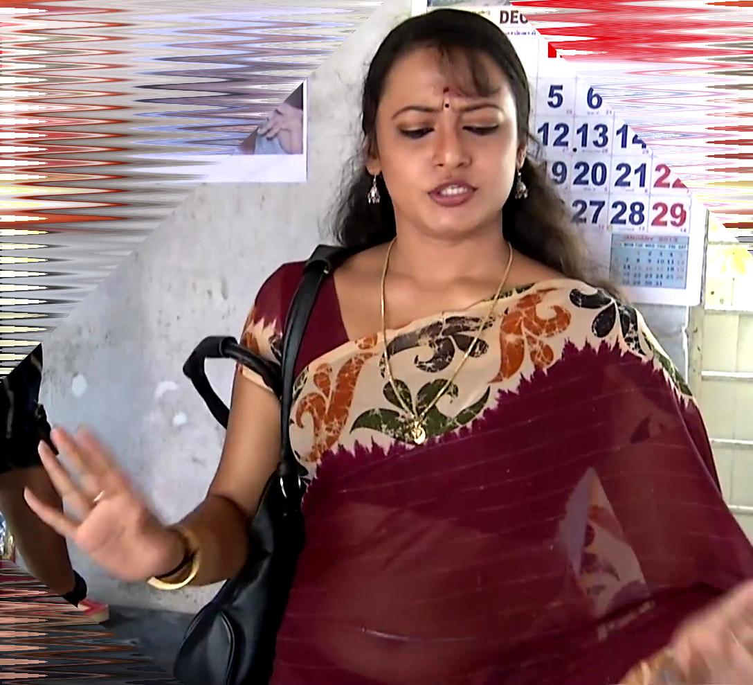 Sreeja_Bommalattam_005_TSaree Navel