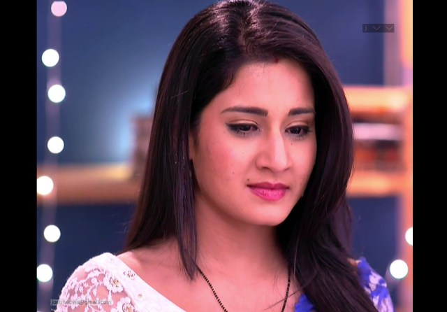 Aditi Rathore_Hindi TV Actress_06_Hot Saree navel