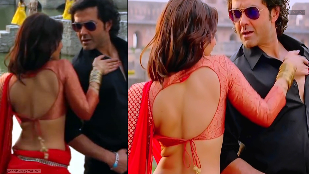 Neha Sharma_YPD2_Saree Song_07_ScrCap