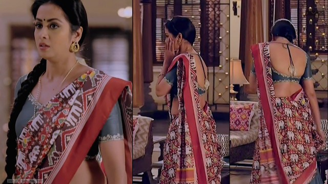 Madhura Naik_Hindi TV actress_01_Hot backless saree Pics