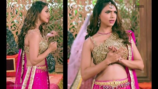 Pooja Banerjee_Hindi TV Actress_04_hot backless