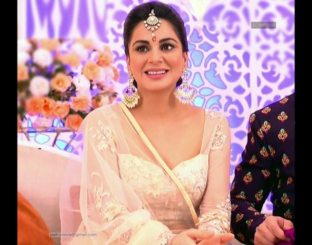 Shraddha Arya_Hindi TV Actress_04_Hot Pics