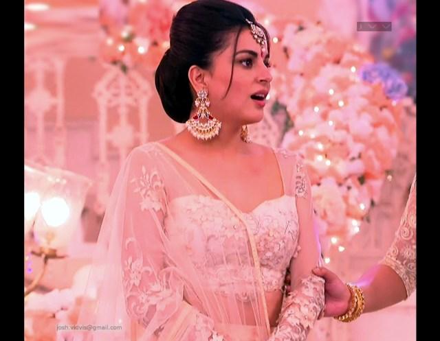Shraddha Arya_Hindi TV Actress_06_Hot Pics