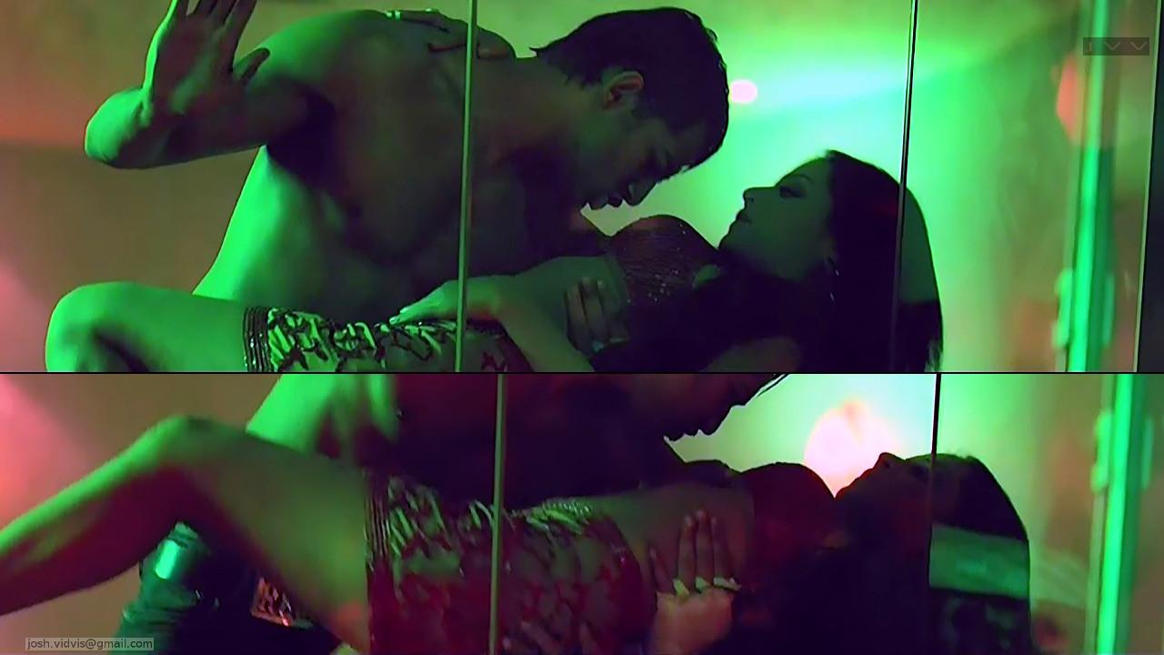 Celina Jaitley_Bollywood Actress_17_Hot movie stills