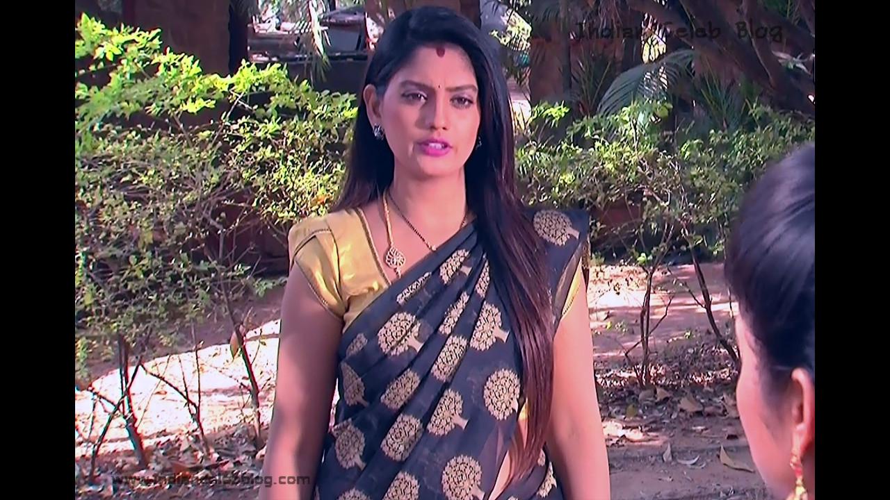 Karuna_Telugu TV Actress_03_Hot Saree Pics