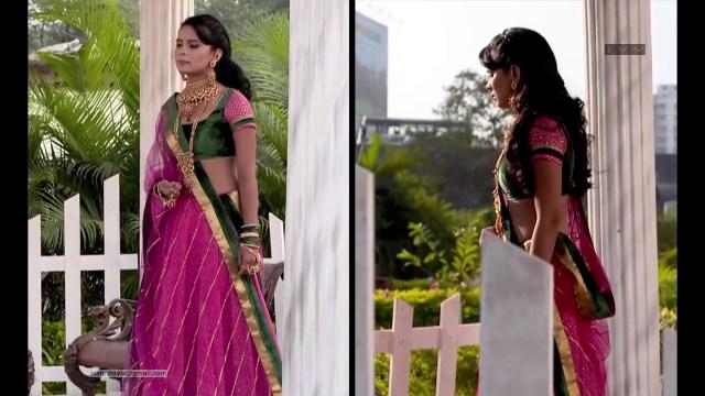 Sonal Vengurlekar_Hindi TV Actress_05_Hot Backless Lehenga Choli Pics