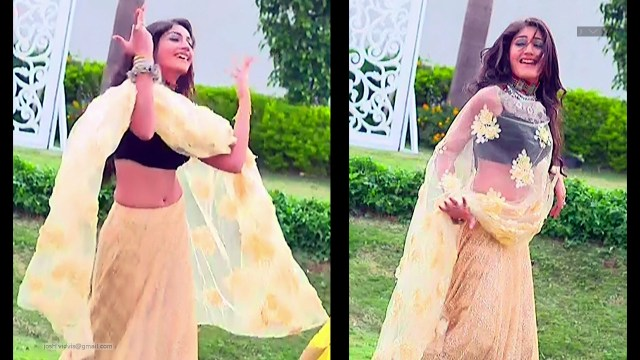 Surbhi Chandna_Hindi TV Actress-IB S1_05_Lehenga Choli Pics