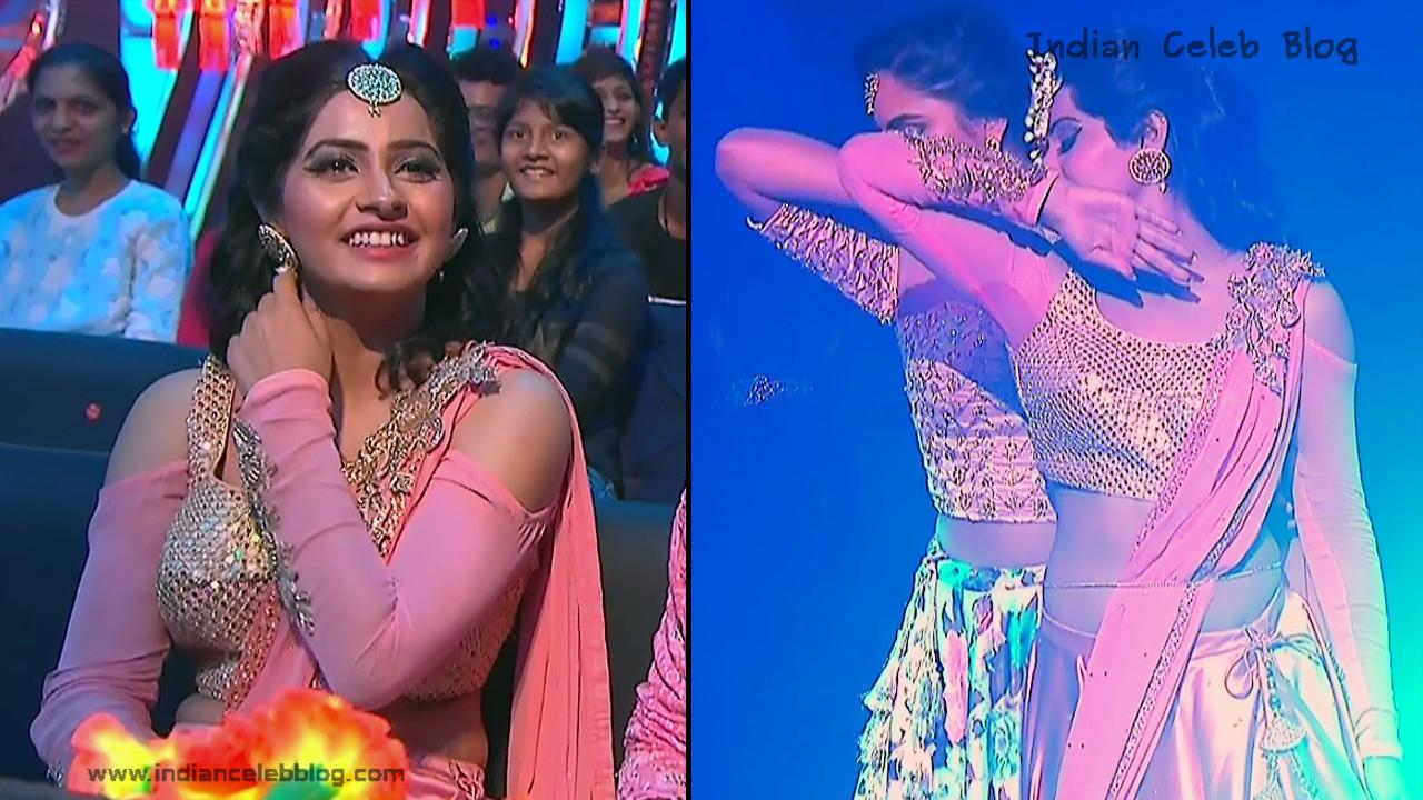 Yukti Kapoor Serial actress Dance Performance at TV Show