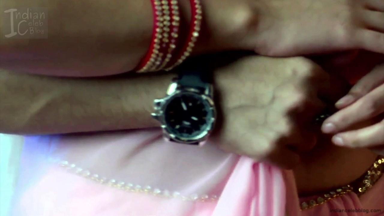 Aditi Rathore_Hindi TV Actress NaamK S3_18_Hot Romance Saree Pics