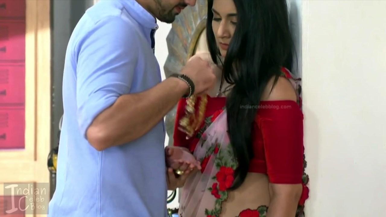 Aditi Rathore_Hindi TV Actress NaamK S3_5_Hot Romance Saree Pics