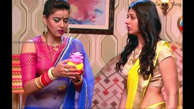 Ginnie Virdi_Hindi TV Actress_06_Hot backless saree navel pics