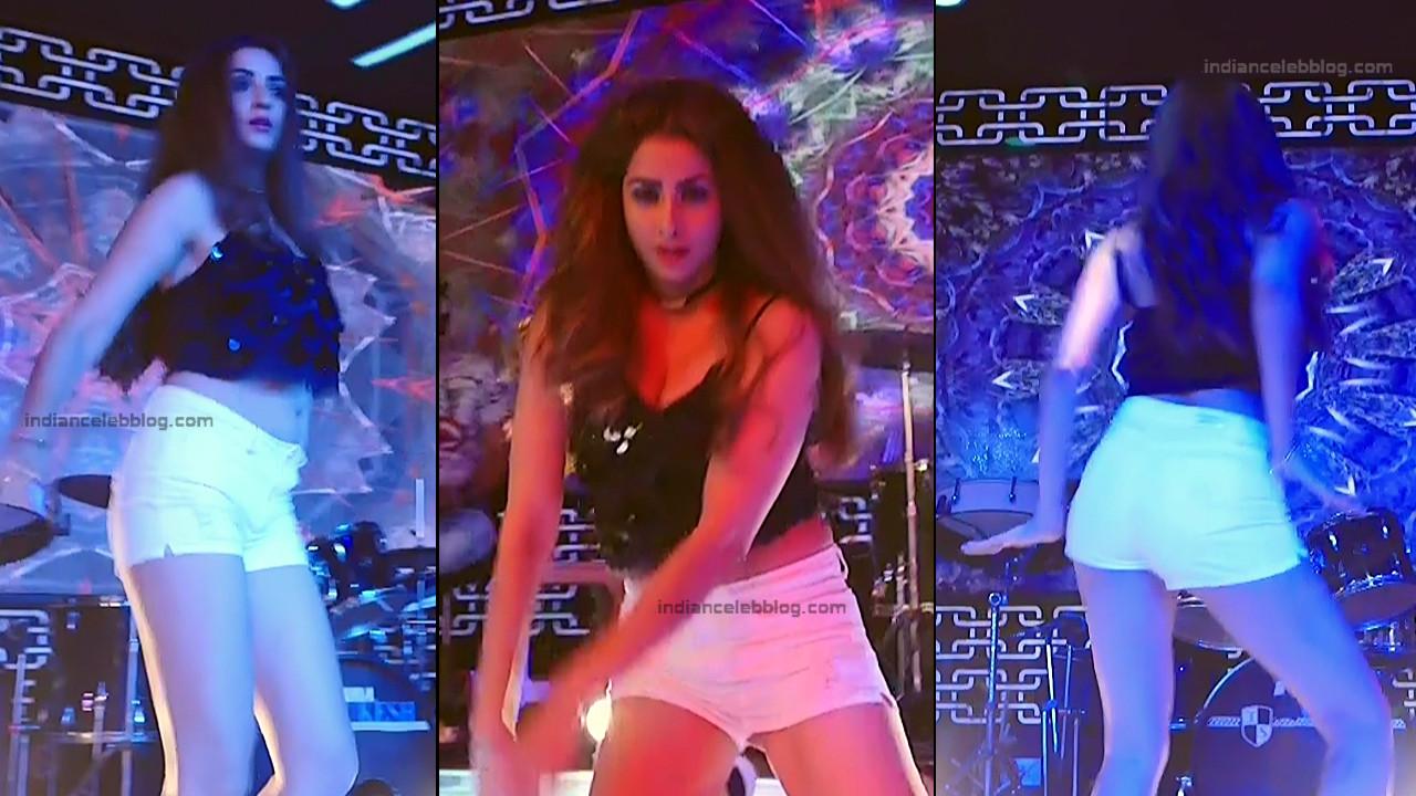 Madhura Naik_Hindi TV Actress S2_8_Hot leg cleavage show pics