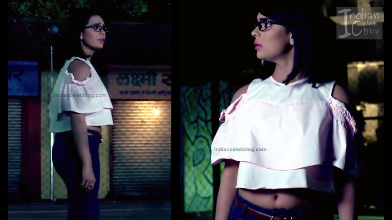 Sonal Vengurlekar_Hindi TV Actress YehVR S3_5_Hot Jeans
