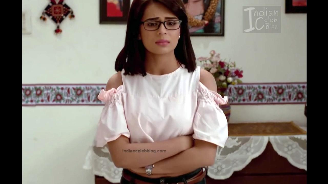 Sonal Vengurlekar_Hindi TV Actress YehVR S3_6_Hot Jeans