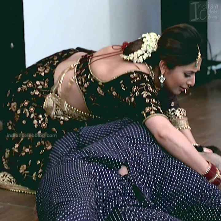 Divyanka Tripathi_Hindi TV Actress YehHM S2_11_Sari Photos