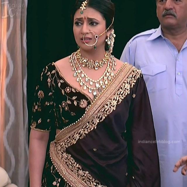 Divyanka Tripathi_Hindi TV Actress YehHM S2_19_Sari Photos