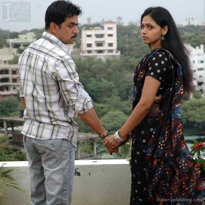 Hema_Tamil Actress_17_Hot Saree Pics