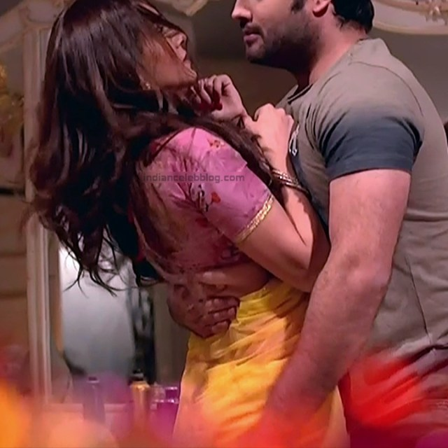Rubina Dilaik_Hindi TV ShaktiA-S4_11_Hot Sari image