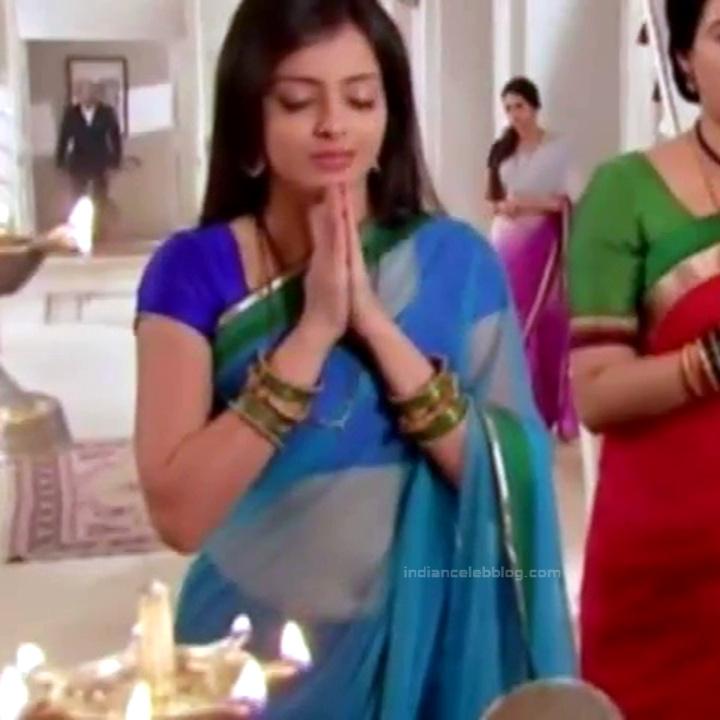 Shrenu Parikh_Hindi TV Actress - Hot Saree Pics S1_20