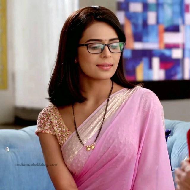 Sonal Vengurlekar_Hindi TV Actress YehVR-S5_10_Hot Saree Images