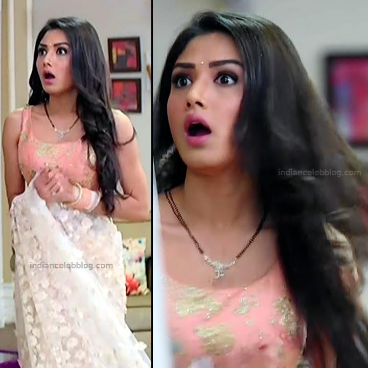 Donal Bisht Hindi Serial Actress EkDTS1 21 Hot Saree Pics