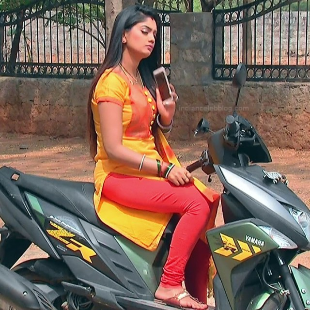 Karuna Telugu serial actress AbhiSS2 14 hot saree photos