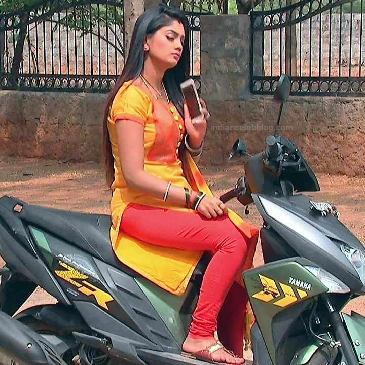 Karuna Telugu serial actress AbhiSS2 14 hot saree photos