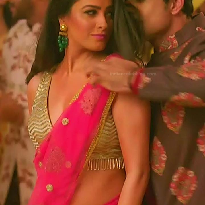 Anita Hassanandani Hindi TV actress YehHMS3 6 hot saree pics